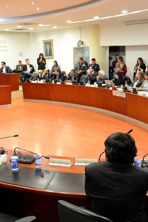 Una regulación asimétrica, inequitativa y desequilibrada a favor de los miembros de la Fuerza Publica – Intervención en Comisión Primera de la Camara de Representantes