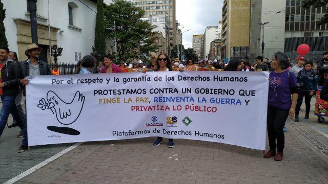 La Cumbre Agraria Campesina, Étnica y Popular y las Plataformas colombianas de Derechos Humanos respaldan las jornadas de movilización del paro cívico nacional, rechazan los hechos de represión y llaman al gobierno para iniciar el diálogo y la concertación.